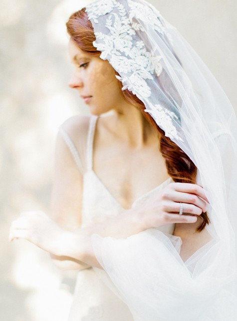 lace applique veil
