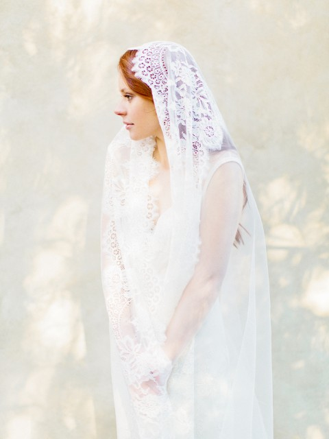 lace mantilla cathedral veil