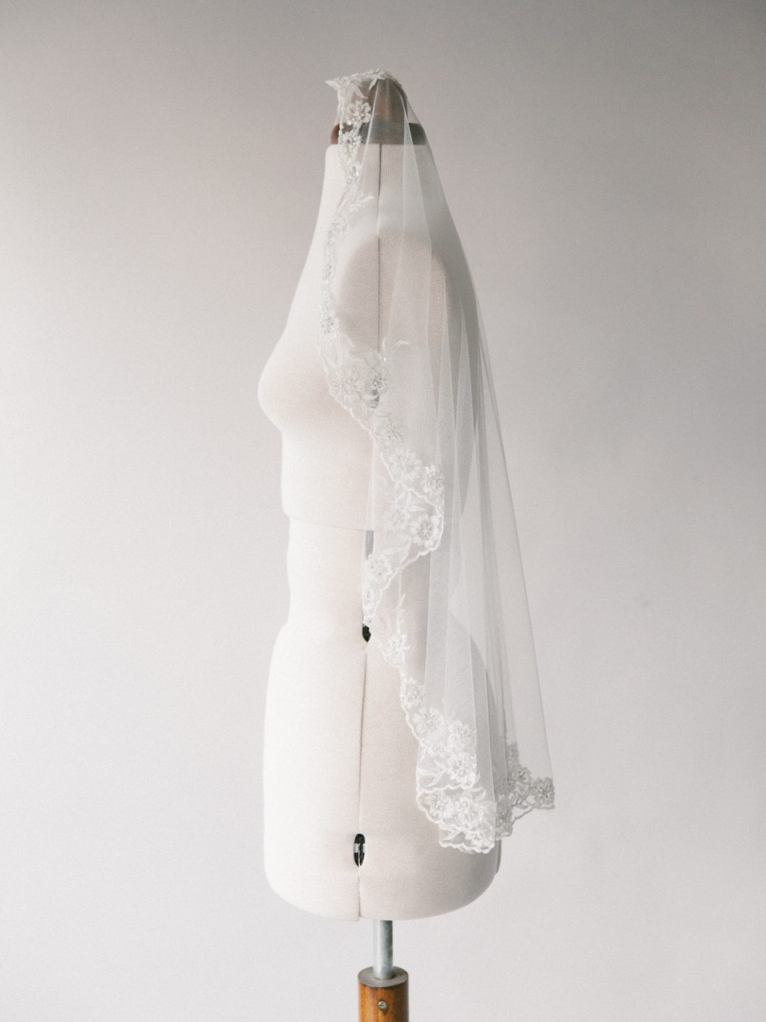Lace Mantilla Veil - Everlasting Love - SIBO Designs www.sibodesigns.com